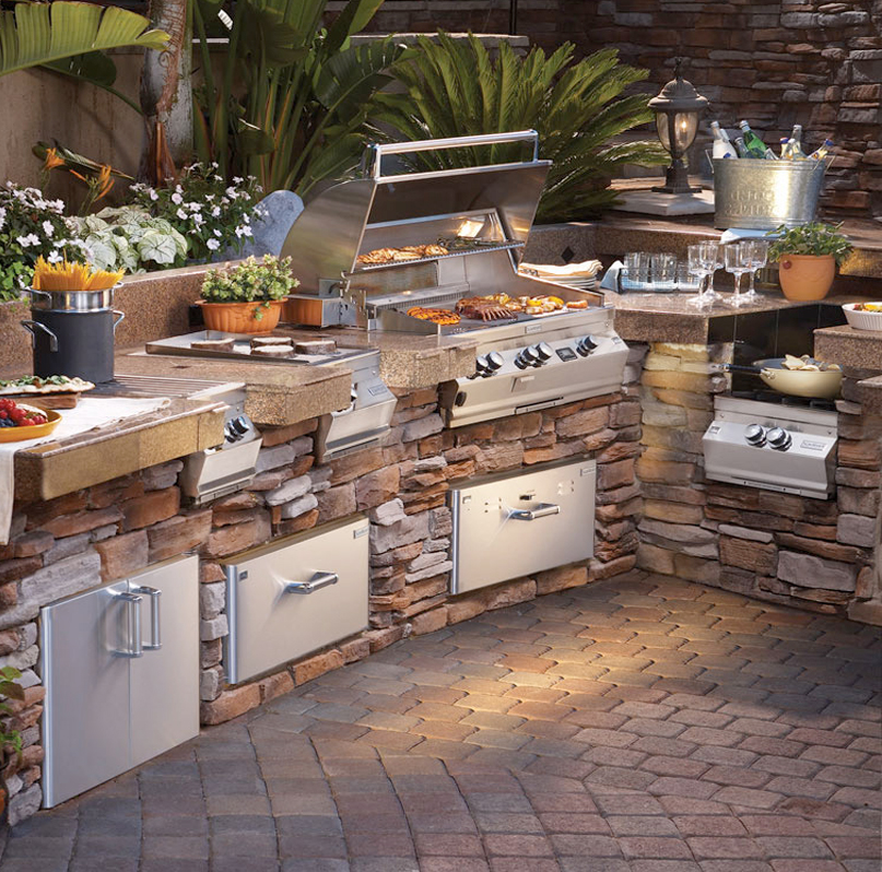Home Custom Outdoor Kitchens
